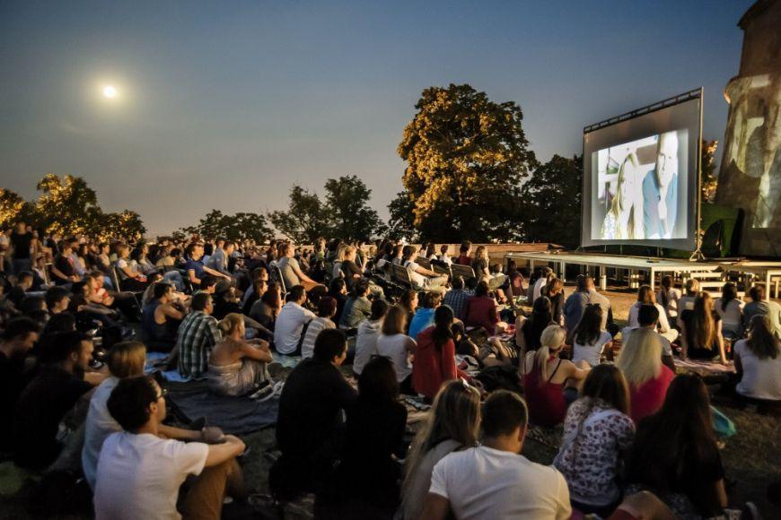Letní kino na hradě Špilberk.