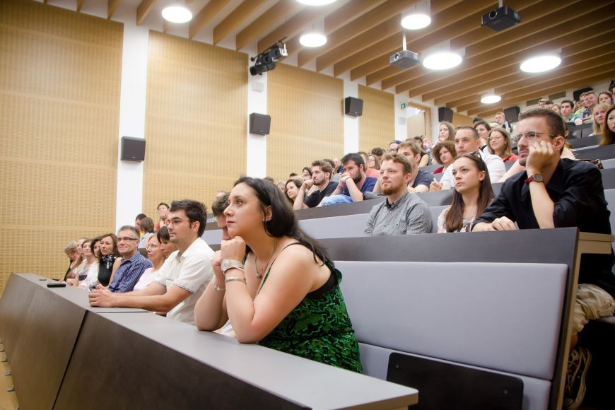 Participants in the Summer School of Slavonic Studies filled the lecture room.