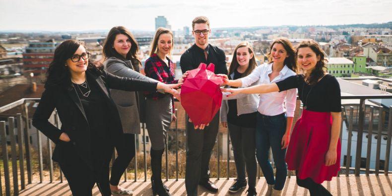 Část brněnského týmu z Masarykovy univerzity zapojeného do kampaní Loono.