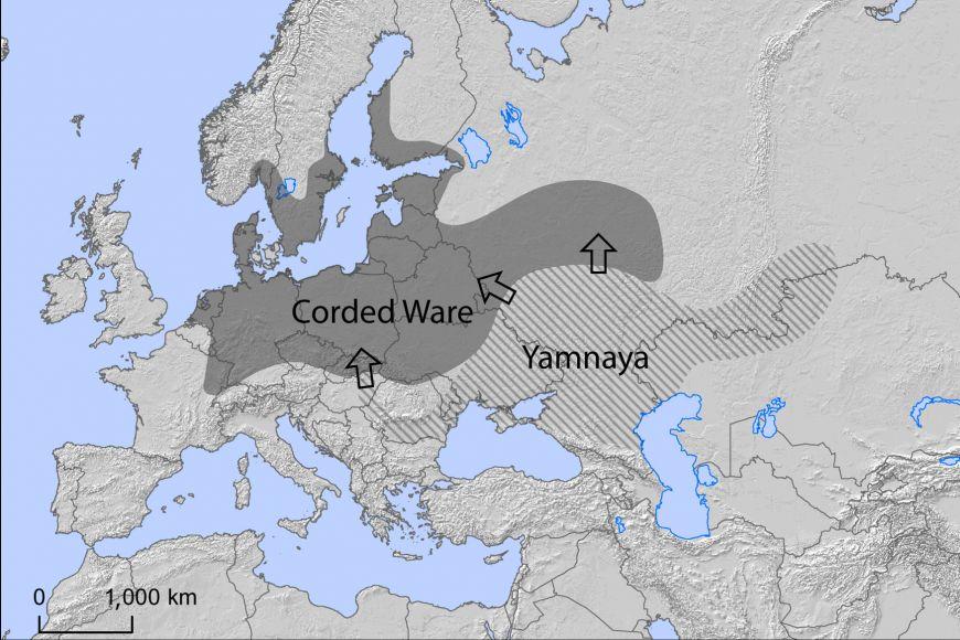 Mapa migrace příslušníků jámové kulturu, která vdobě bronzové mířila zoblasti Kavkazu do Evropy ačásti Asie, kde se nacházela kultura se šňůrovou keramikou.