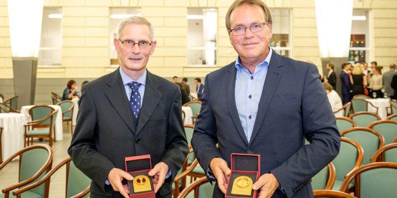 Uwe Backes z Technické univerzity v Drážďanech a Wieger Bakker z Univerzity v Utrechtu.