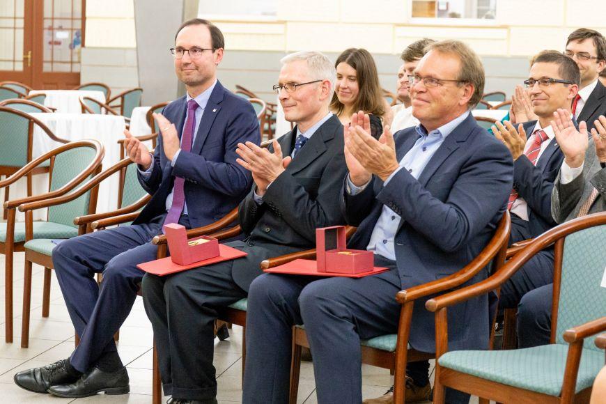 Děkan FSS Břetislav Dančák, Uwe Backes zTechnické univerzity vDrážďanech aWieger Bakker zUniverzity vUtrechtu.