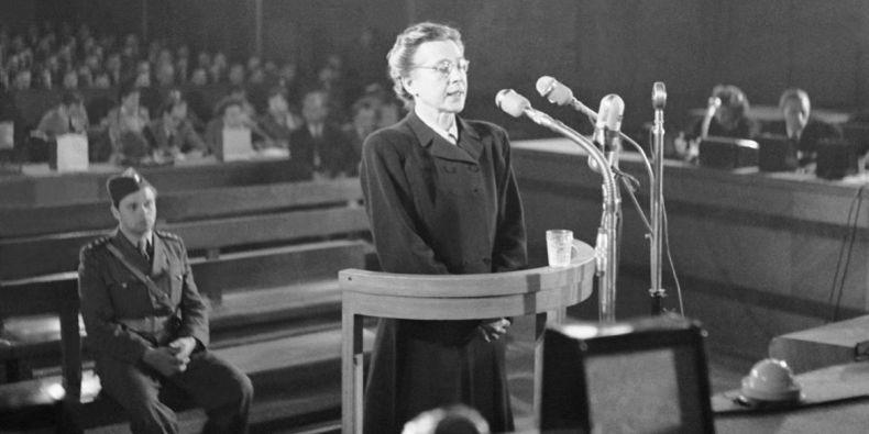 Milada Horáková ve zinscenovaném procesu.