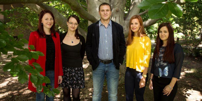 Tým z ústavu psychologie a psychosomatiky stojící za projektem. Zleva Veronika Horníčková, Pavla Linhartová, Miroslav Světlák, Barbora Bednárová a Klaudia Lučanská.