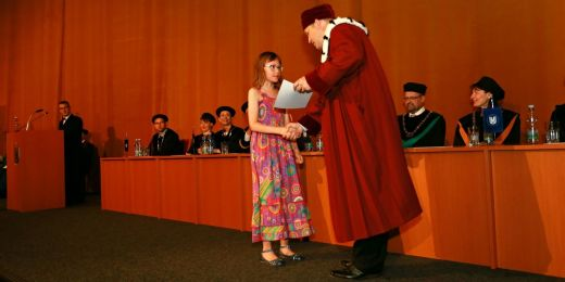 Diplomy mladým absolventům předával prorektor Ivan Malý.