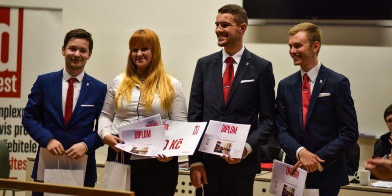 Vítězný tým Právnické fakulty Masarykovy univerzity (zleva): Roman Tocháček, Marie Soukupová, Daniel Sedlák a Martin Votroubek.