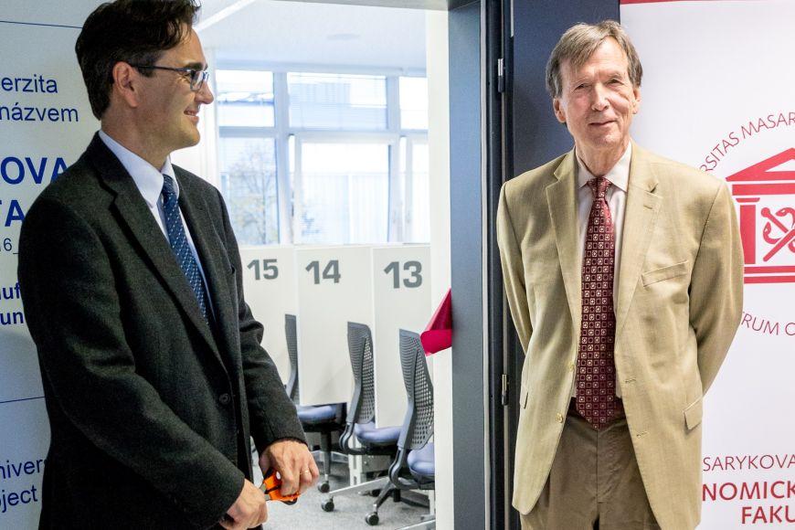 Head of MUELL lab Jiří Špalek and professor James Alm.