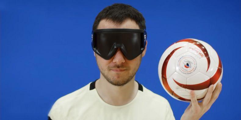 Vojtěch Polášek, student informatiky a hráč v týmů nevidomých futsalistů Avoy MU Brno.
