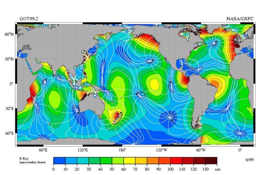 Výška přílivu aodlivu vrůzných místech světových moří. Příliv aodliv je největší upobřeží, kde může dojít krezonanci mezi vlastní frekvencí kmitů mořské hladiny afrekvencí, sjakou se Měsíc snaží nutit vodu stoupat aklesat.