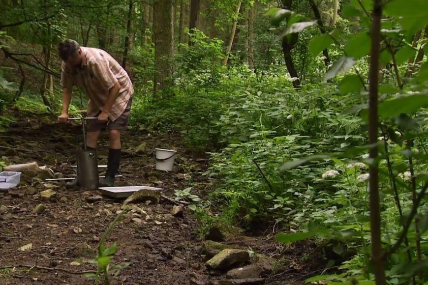 Spolu skolegy Pařil vyvinul speciální metodu, která dokáže vneznečištěných tocích odhalit analýzou živočichů, zda tok vpředcházejícím období vyschnul.
