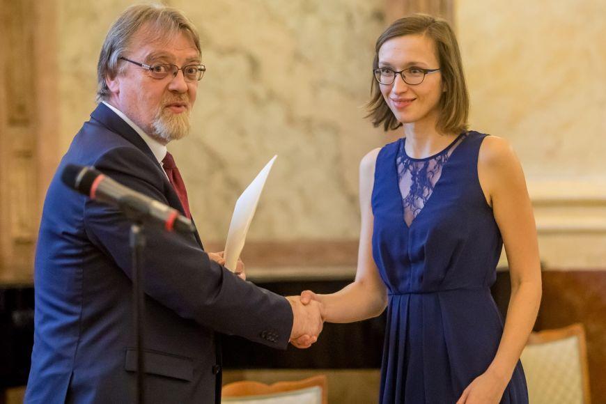 Pavlína Janovská vloni převzala také cenu ministerstva školství pro vynikající studenty aabsolventy vdoktorském studijním programu.