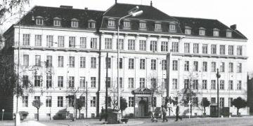 Původní historická budova pedagogické fakulty na adrese Poříčí 7.