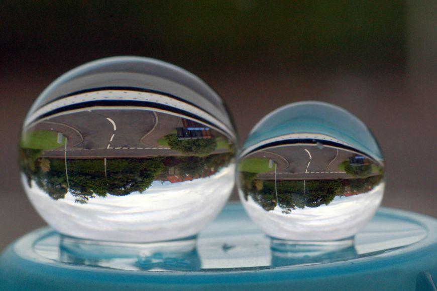 Zobrazení tzv. vodními perlami.