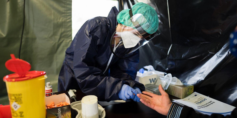 Medici pomáhali i v rámci plošného testování populace.