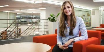 Studentka oboru finance Markéta Smolková vyhrála soutěž ČNB s prací o lichvě. V budoucnu by se ráda věnovala účetnictví a auditům.