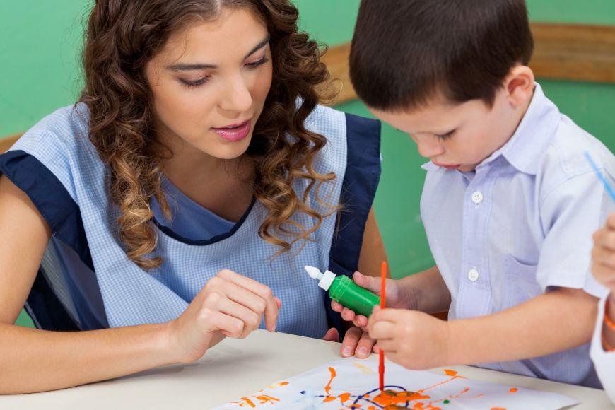 K učitelské praxi se studenti dostanou už začátcích bakalářského studia.