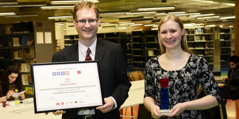Cenu za nejlepší inovativní nápad loňského roku získal Jan Preisler s kolegyní Pavlou Foltynovou. Na vynálezu se podílel také Viktor Kanický.