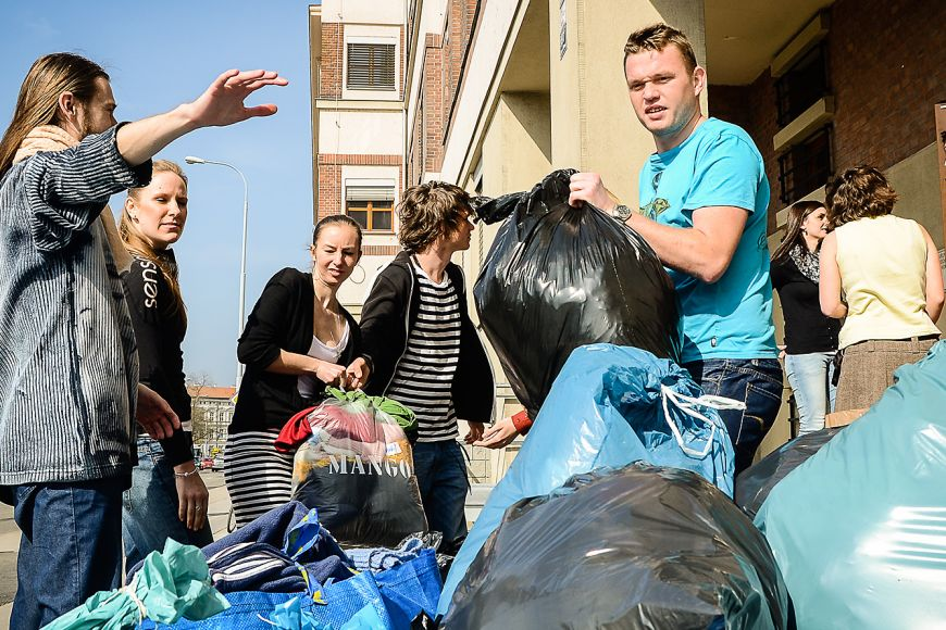 Sending an aid truck to Ukraine? Just one of many humanitarian aid activities of Muni.
