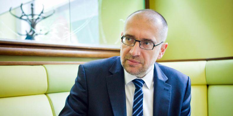 Současný rektor Mikuláš Bek usiluje o znovuzvolení.