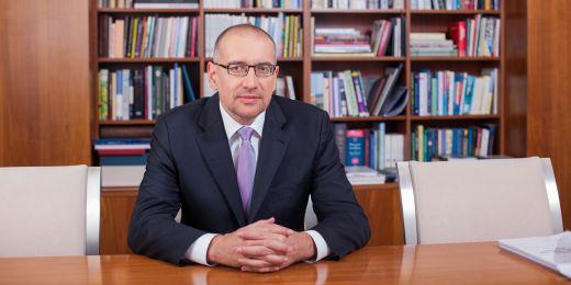 Rektor Mikuláš Bek.