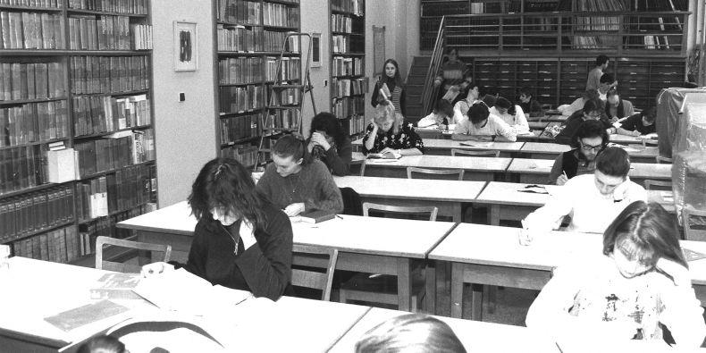 Pohled do dřívější knihovny filozofické fakulty.
