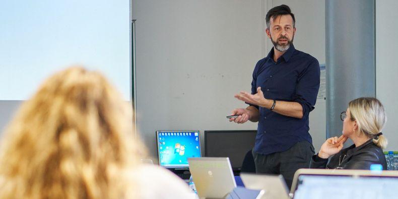 RIchard Štefl, vedoucí Centra strukturní biologie a skupiny Strukturní biologie genové regulace.