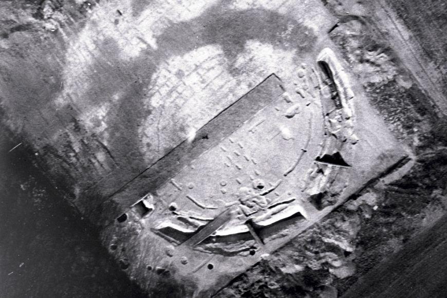 Letecký snímek kruhového areálu, tzv. rondelu.