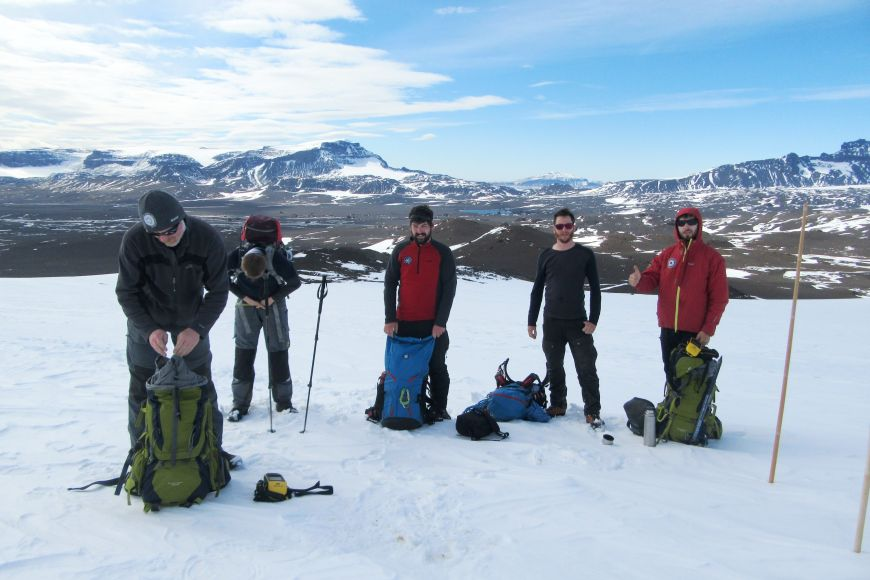 Vědci zMasarykovy univerzity asnimi istudenti pravidelně jezdí na expedice do Antarktidy.