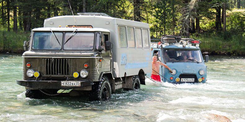 Výjezd na Sibiř znamená tři týdny takřka mimo civilizaci. Cesty se mnohdy ztrácejí z mapy i z krajiny. Foto: Archiv M. Chytrého.
