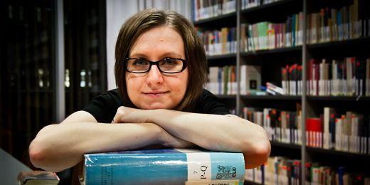 Absolventka Informačních studií a knihovnictví na Filosofické fakultě MU Olga Biernátová. Foto: Katarína Jablonská.