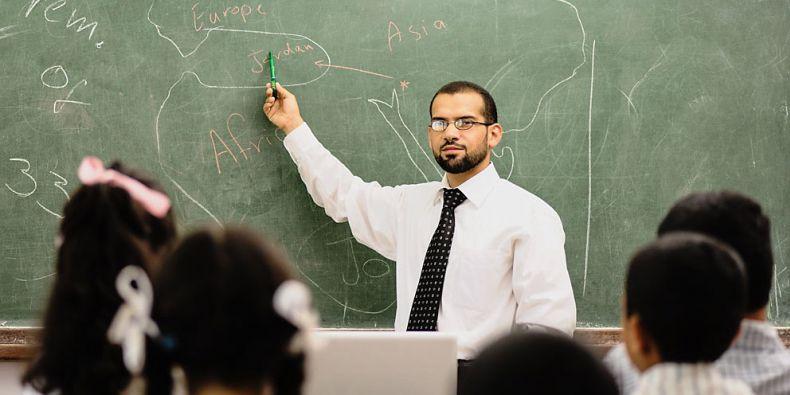 Stále více témat a poznatků by se měli učit žáci a studenti. Otázkou je, zda je dokáží zpracovat.