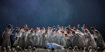 V představení Janáčkova divadla se objeví přesně 57 členů Pěveckého sboru MU.