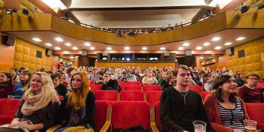 Hlavní část programu se odehraje v Univerzitním kině Scala.