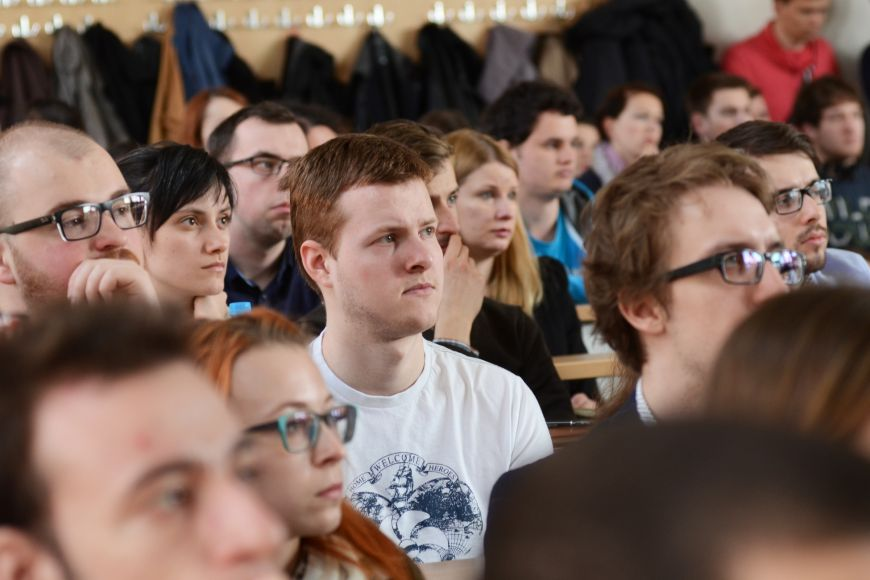 Schapira si přišly poslechnout stovky studentů.