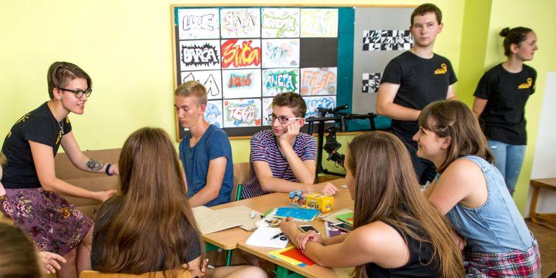 Pilotní akci vystoupení na střední škole si vědci z obou univerzit vyzkoušeli v červnu na Klasickém a španělském gymnáziu v Brně-Bystrci.