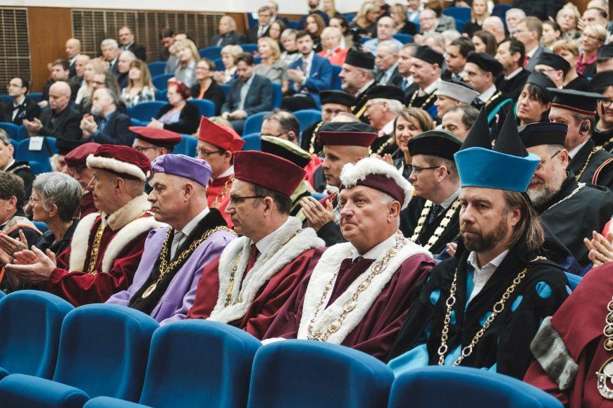 Představitelé univerzit.