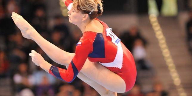 Gymnastka Jana Šikulová dorazila na vyhlašování jen pár dnů po tom, co jí lékaři sundali sádru, kterou měla kvůli přetrženým vazům v kotníku. Foto: Archiv J. Šikulové.