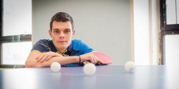 Student práv Petr Šilhán vyměnil stolní tenis za ping pong a rázem se dostal mezi nejlepší hráče světa.