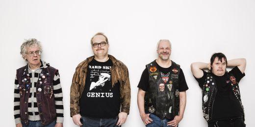 Netradiční příklad pracovního uplatnění lidí se znevýhodněním je finská punková kapela PKN. Svoji zemi zastupovala také na soutěži Eurovision Song Contest v roce 2015.