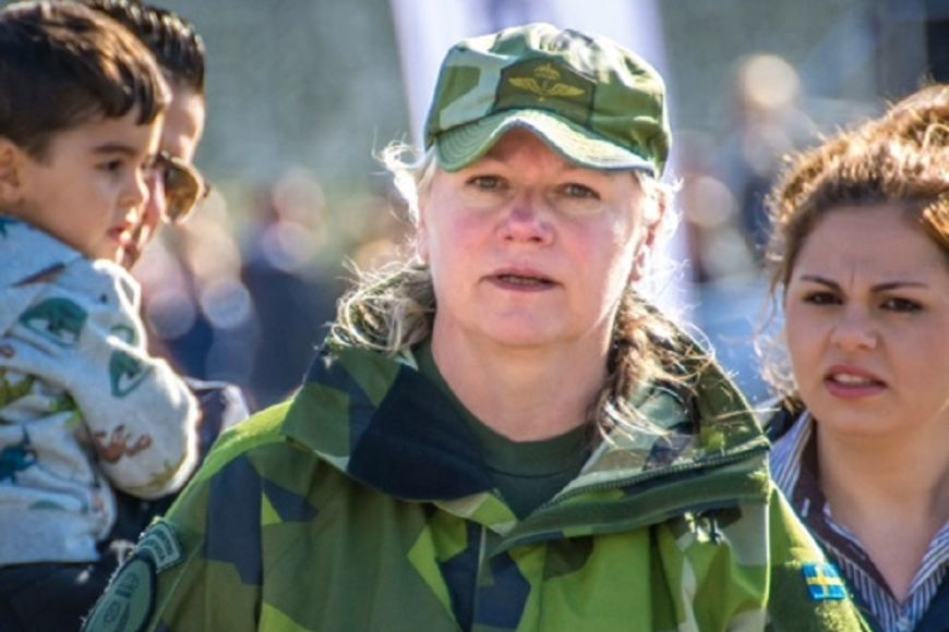 Milena Söderber has been teaching at the Försvarsmaktens Tekniska Skol in Halmstad in the south of Sweden for twelve years. She would now like to specialise in optronics.