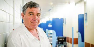 Kardiolog Jindřich Špinar je autorem dosud největšího a nejdelšího klinického výzkumu svého druhu na světě, který pomáhá při stanovení prognózy a léčby nemocných s akutním srdečním selháním.