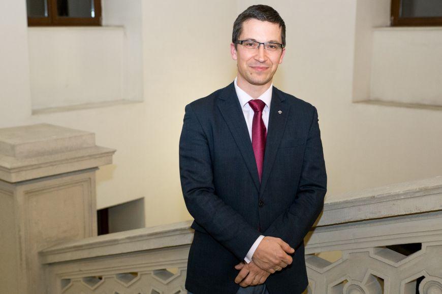 Stanislav Balík je vedoucím katedry politologie.