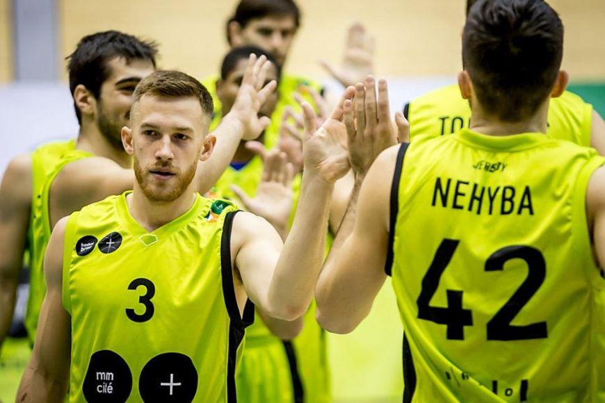 American basketball player Brian Sullivan for the Brno MMCITE team appreciates that Czechs are friendly.