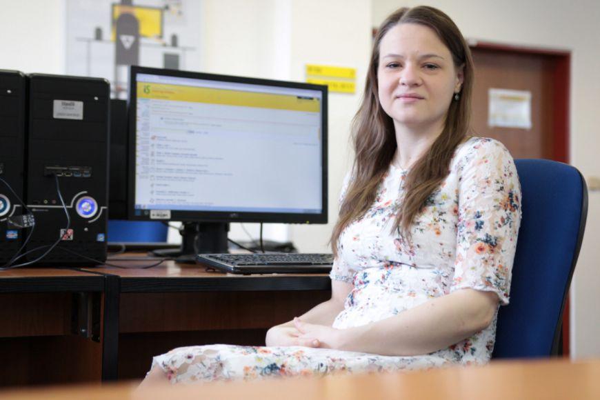 Tereza Pařilová se na Lékařské fakultě MU zabývá výzkumem vlivu profesionálního hudebního vzdělávání na kognitivní činnost mozku.