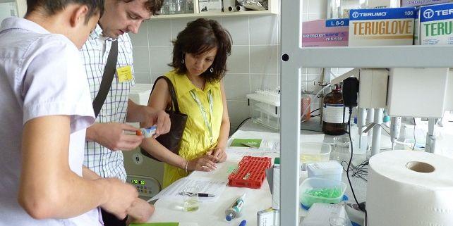 Přírodovědně zaměření studenti si mohou do 1. května podat přihlášku na Letní školu environmentální chemie a ekotoxikologie. Foto: RECETOX.