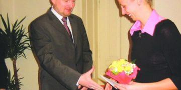 Nejlepší sportovkyní Masarykovy univerzity byla vyhlášena plavkyně Jana Pechanová. K ocenění jí pogratuloval i rektor MU Petr Fiala.