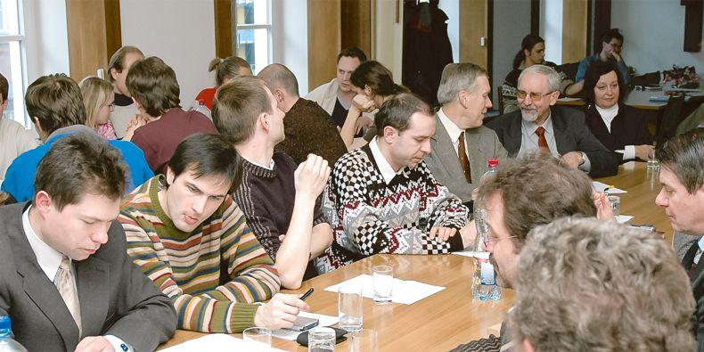 Studenti se prostřednictvím senátů podílejí na vedení univerzity.