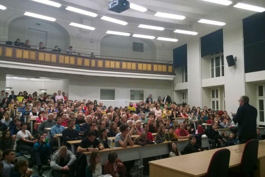 Váchova přednáška zaplnila jednu znejvětších poslucháren na FSS.