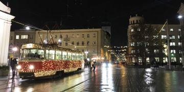 Už tradiční vánoční šalina brázdí střed Brna.