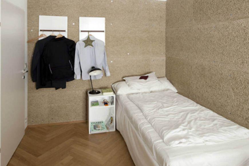 Pokoj ve vídeňském sdíleném bydlení.